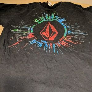 VOLCOM Tshirt Super Cool Size M Make Offer